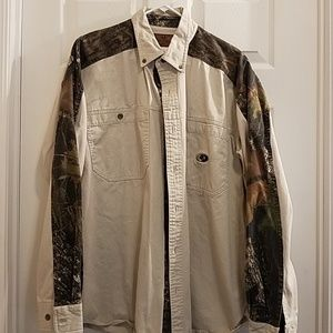 Mens long sleeve Mossy Oak shirt size XL